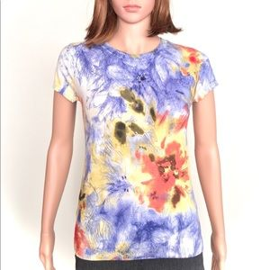 Short sleeve knit top with abstract pattern